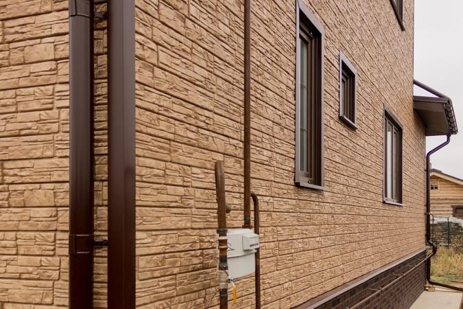 отделка фундамента фасадными панелями